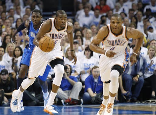 Champion Mavs head home, trailing Thunder 2-0
