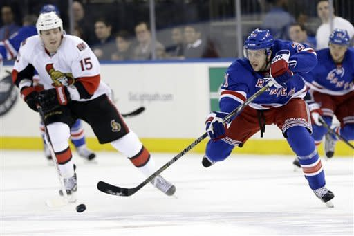 Late goal lifts Senators over Rangers, 3-2