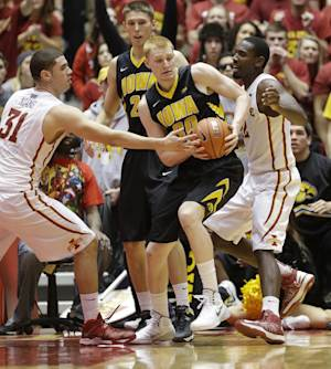 No. 25 Iowa beats Arkansas-Pine Bluff 85-61
