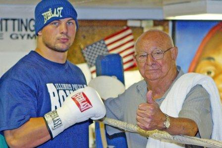 Ali's legendary trainer Angelo Dundee leaves ringside at 90