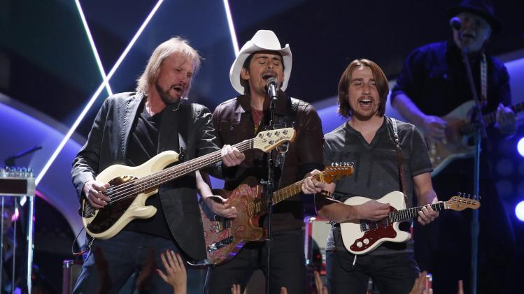 "Brad Paisley performs ""The Mona Lisa"" with his band during the 4th annual American Country Awards in Las Vegas"