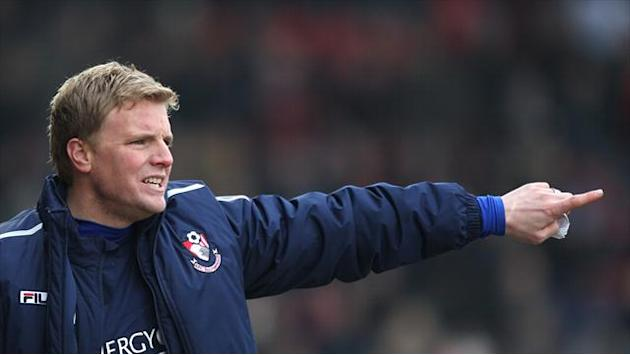Football - Howe hails Cherries display