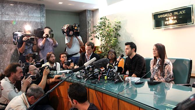 Meredith Kercher Family Holds Press Conference After Amanda Knox Acquittal
