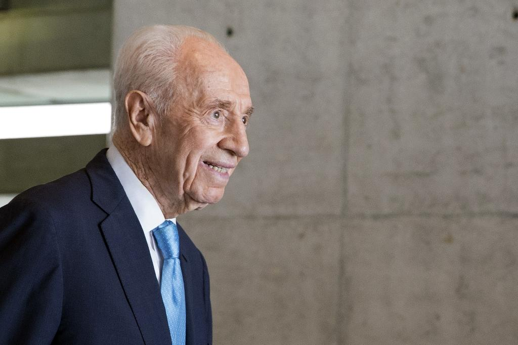 Peres to lie in state as Israel honours last founding father