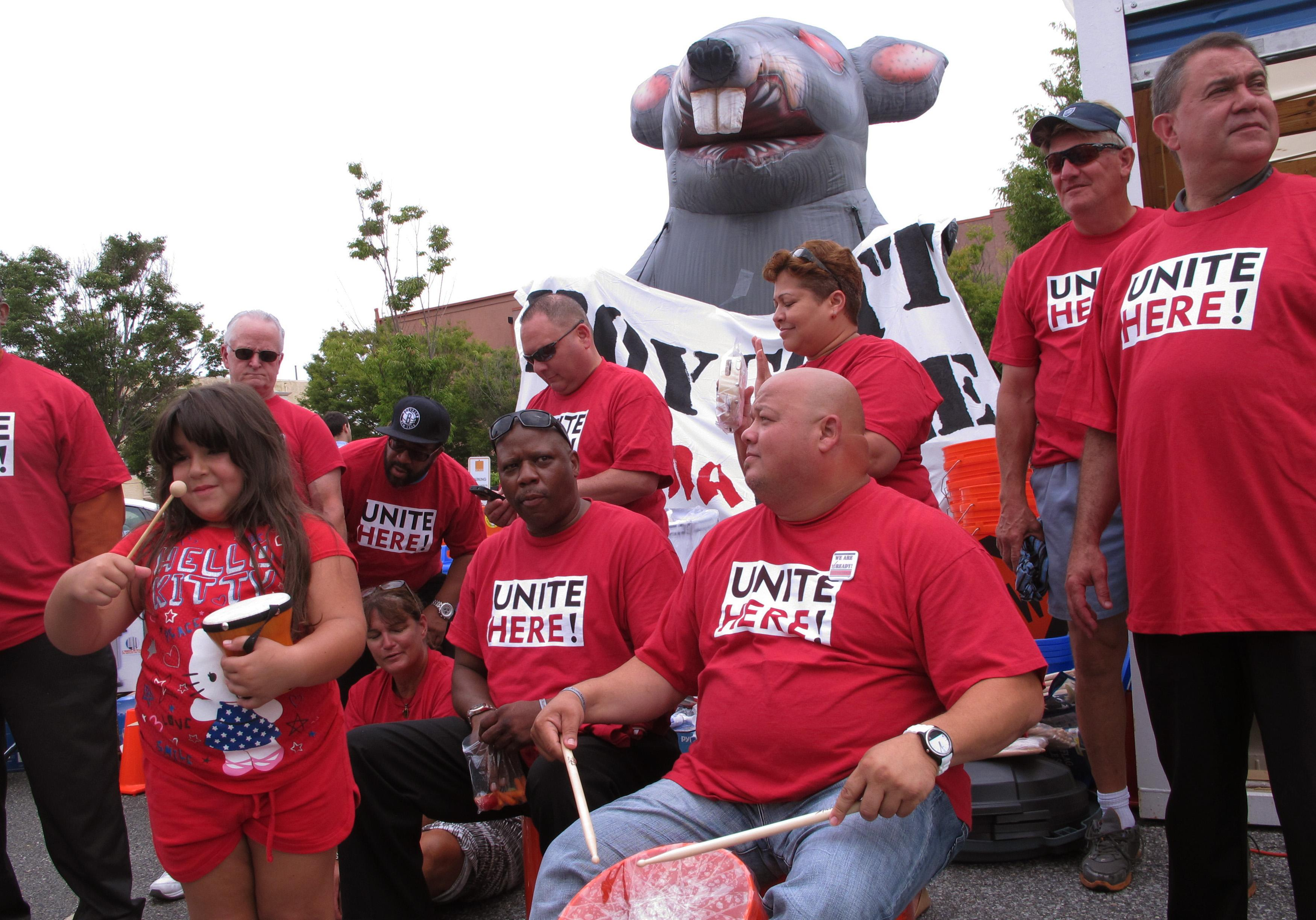 Union: 'Last chance' for Icahn to avoid strike at casino