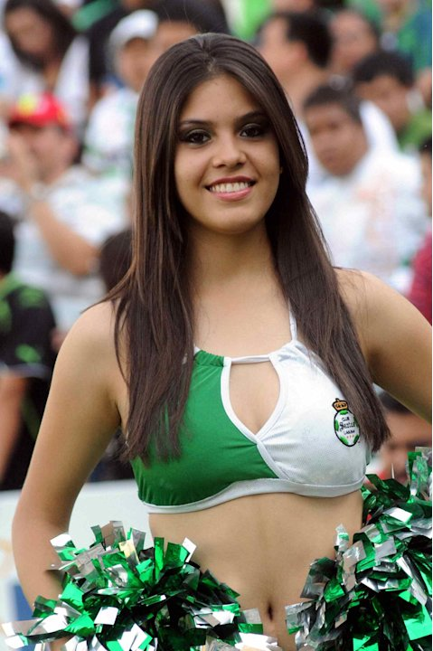 CLAU_SOC_CHEERLEADER