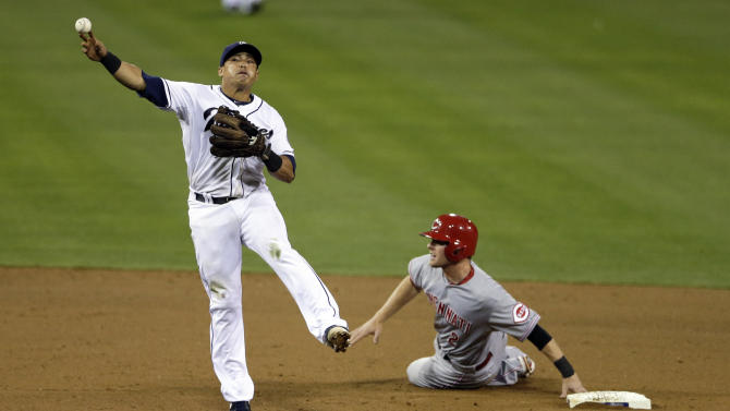Hundley's 2-run double in 8th gives Padres 4-2 win