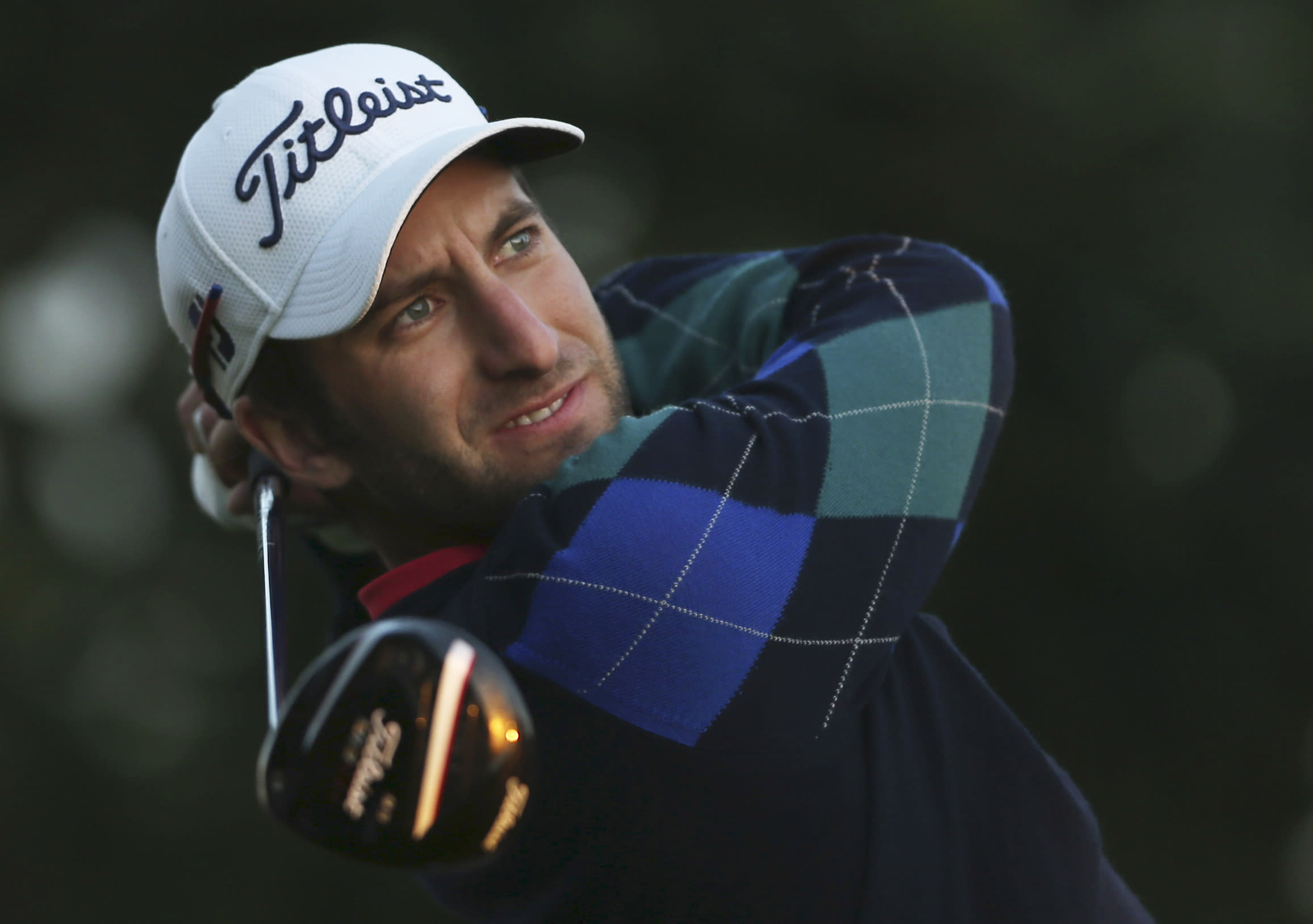 Scotland's Warren leads Dubai by 1 in clubhouse after 2nd