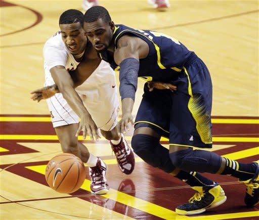 No. 5 Michigan beats No. 9 Minnesota 83-75