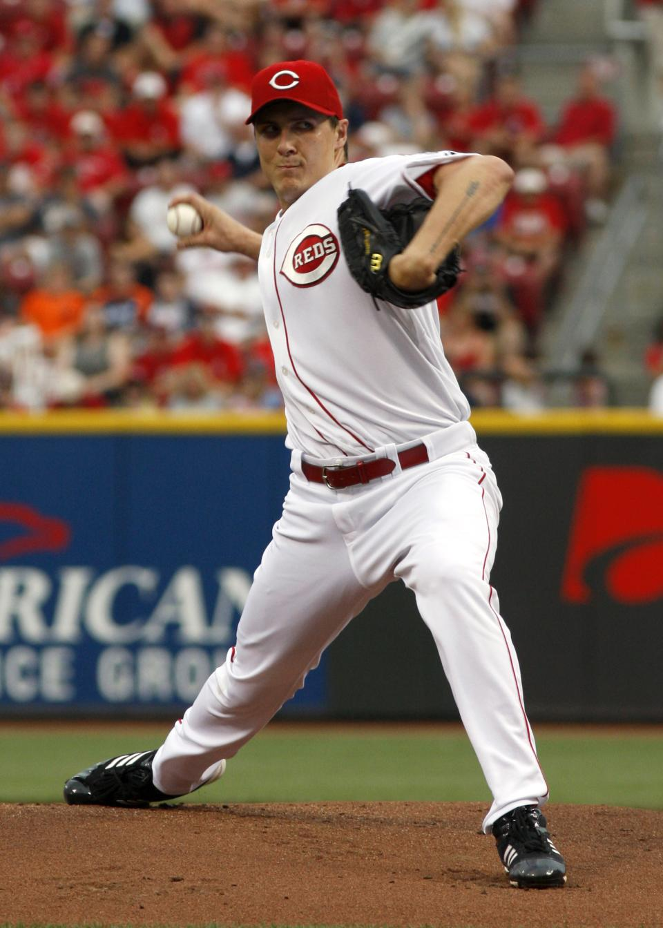 Cincinnati Reds starting pitcher Homer Bailey throws against the Detroit Tigers in the first inning of a baseball game, Sunday, June 10, 2012, in Cincinnati. (AP Photo/David Kohl)