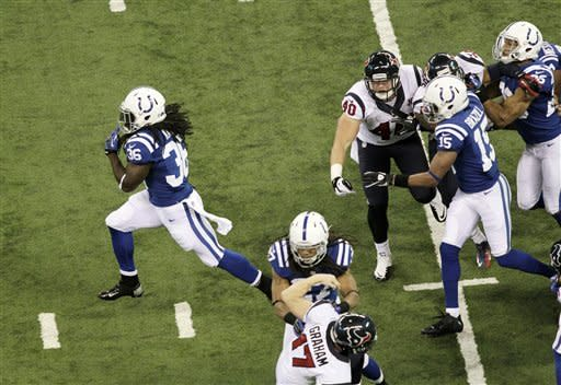 Pagano returns as Indianapolis beats Texans 28-16