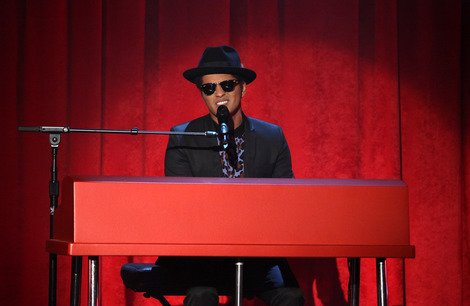 Bruno Mars Performs 'When I Was Your Man'