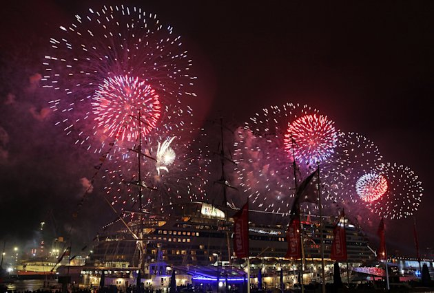 Hamburg Port Celebrates 823rd …