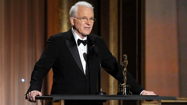 Steve Martin Fully Explains His 'Offensive' Tweet (ABC News)