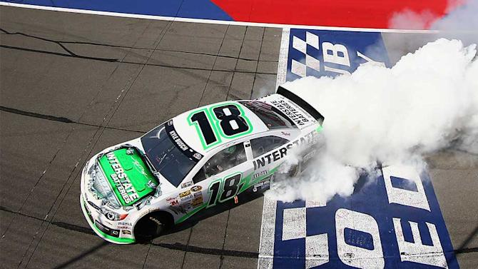 Kyle Busch wins dramatic Auto Club 400