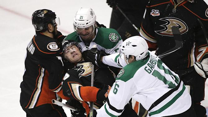 Getzlaf plans to play in Ducks' Game 2 vs. Dallas