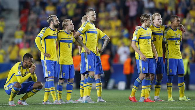 SOC: Sweden players during the penalty shootout