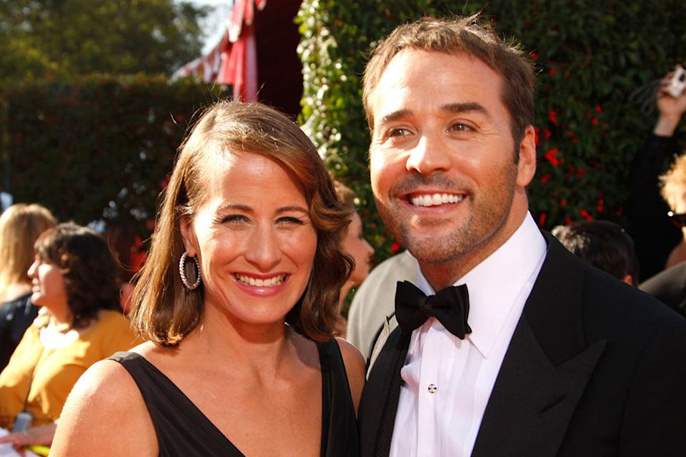 Jeremy Piven and guest arrive at the 59th Annual Primetime Emmy Awards at the Shrine Auditorium on September 16, 2007 in Los Angeles, California.