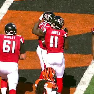 Atlanta Falcons quarterback Matt Ryan 14-yard TD pass to Julio Jones