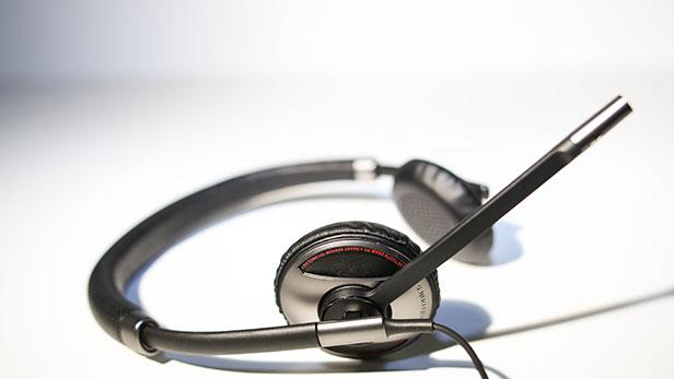One Headset to Rule Your Computer and Mobile Phone
