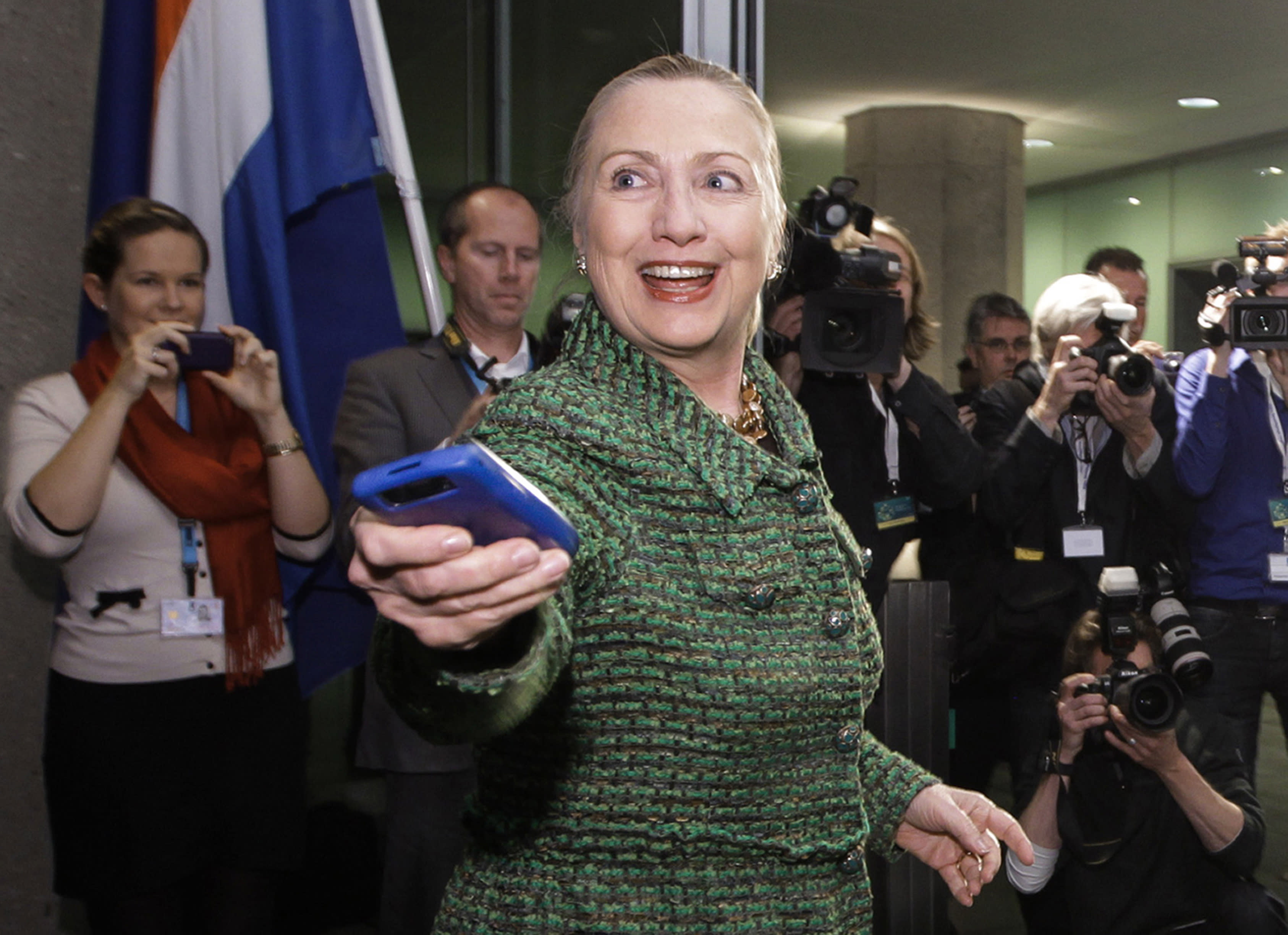 Clinton also used iPad for email; mixed personal, work chats