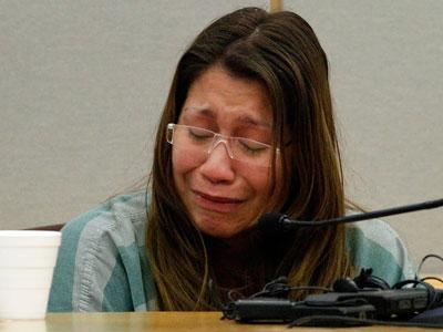 Mom gets 99 years for gluing tot's hands