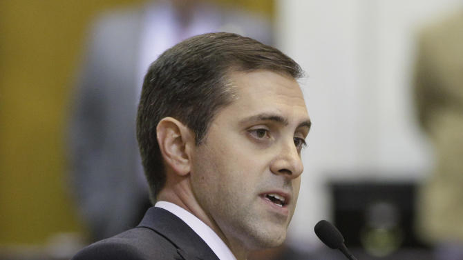 Rep. Greg Leding, D-Fayetteville, speaks in the House chamber against a bill that would ban abortions at 20 weeks of pregnancy at the Arkansas state Capitol in Little Rock, Ark., Monday, Feb. 4, 2013. The bill passed Monday. (AP Photo/Danny Johnston)