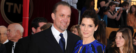 Sandra Bullock (R) and Jesse James at the 16th Annual Screen Actors Guild Awards on January 23, 2010 in Los Angeles (Steve Granitz/WireImage).