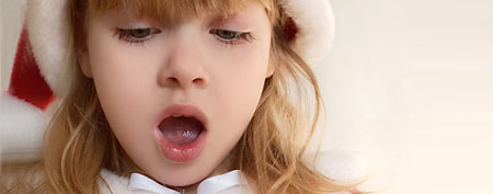 Little girl singing (iStockphoto/Thinkstock)