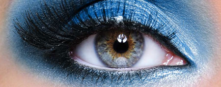 Blue eyeshadow (ThinkStock)