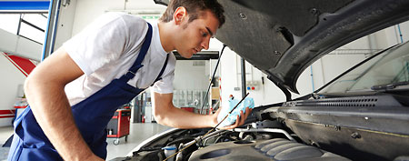 Oil change (ThinkStock)