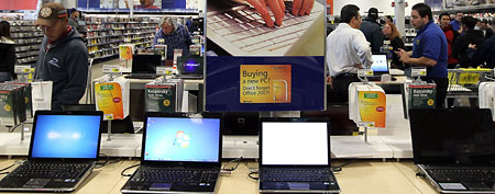 Laptops at a Best Buy store in San Francisco, California.  (Justin Sullivan/Getty Images)