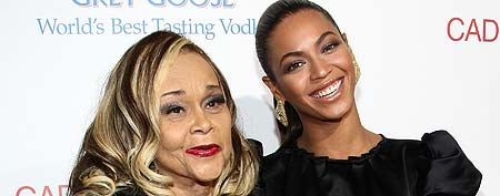 Singer Etta James and singer/actress Beyonce arrive at the premiere of 'Cadillac Records' held at The Egyptian Theater on November 24, 2008 in Hollywood, California. (Alberto E. Rodriguez/Getty Images)