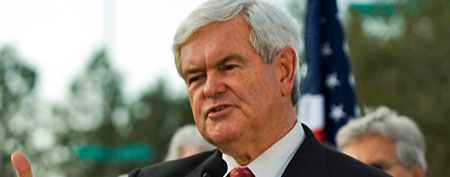 Republican presidential hopeful Newt Gingrich talks to supporters during a campaign rally in Tampa, Florida, January 23, 2012. (REUTERS/Steve Nesius)