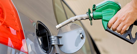 Pumping gas (Thinkstock)