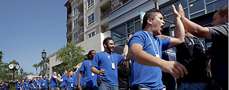 Apple employees (AP)