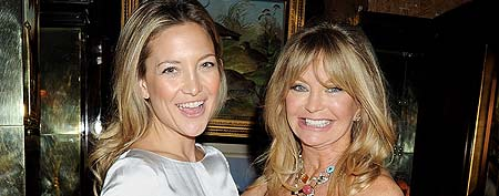 Kate Hudson (L) and Goldie Hawn attend the Hawn Foundation UK launch event hosted by Goldie Hawn at Annabels on March 7, 2012 in London, England. (Photo by Dave M. Benett/Getty Images)