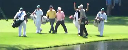 Golfer's cool hole-in-one at the Masters (YouTube.com)