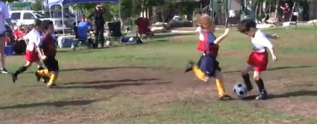 Huge collision in kids' soccer game (Yahoo! Sports Blog)