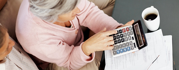 Calculating benefits (Thinkstock)