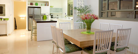 Kitchen and dining room interior (Thinkstock)