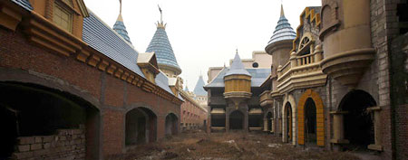 Abandoned theme park in China (via Reuters)