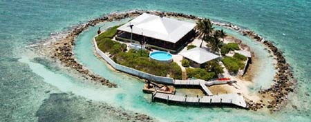 Easter Sister Rock Island in the Florida Keys is up for sale. (Photo: Century 21)