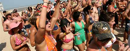 Spring Break vacationers at a dance contest on South Padre Island, Texas, Wednesday March 11, 2009. (AP Photo/The San Antonio Express-News, Delcia Lopez)