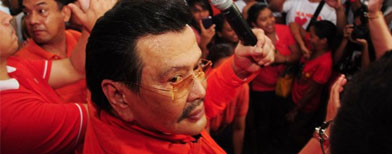 Estrada hasn't forgiven former enemy?