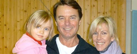 Rielle Hunter announces the end of her relationship with John Edwards (ABC News)