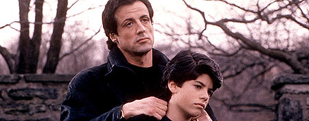 1sage uni - Sylvester Stallone's son found dead