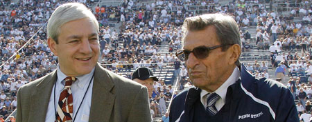 Penn St. President Graham Spanier, left, and head football coach Joe Paterno in 2011 (AP)