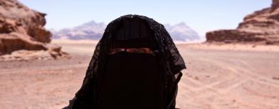 السعودية يصطدمن بدورية قيادتهن