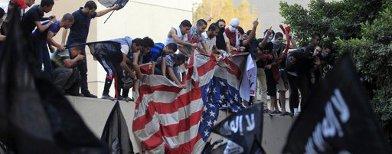 Protes di Kedubes AS di Kairo (Reuters/Mohamed Abd El Ghany)